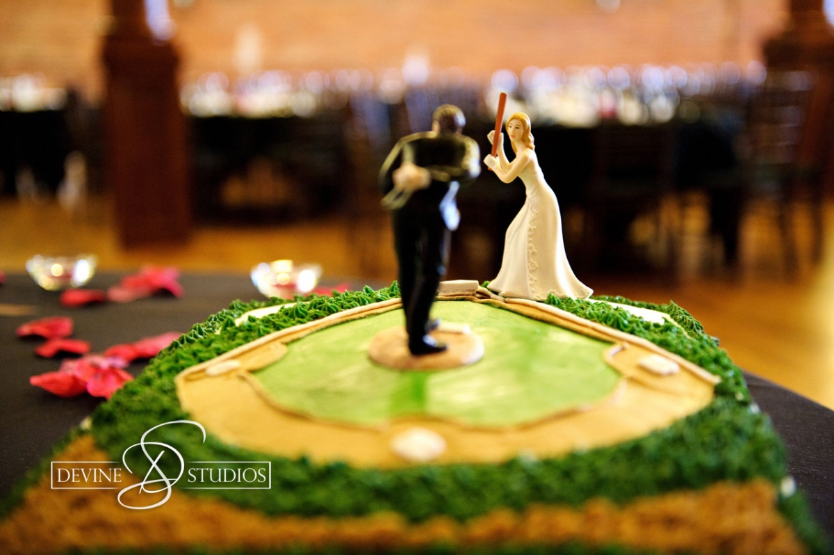 kansas city baseball wedding cake