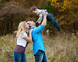 Kansas City Wedding Portrait Photographer-Seniors, Children, Family, Maternity bio picture