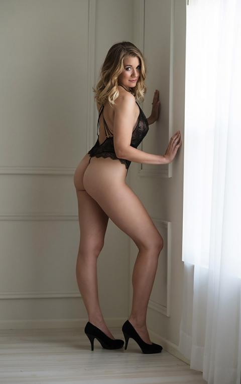 kansas-boudoir-photos-sexy-black-lingerie-intimate-photography-devine