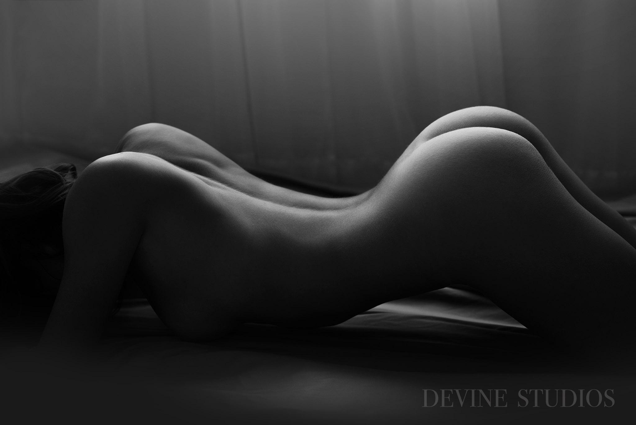 http://devinestudios.com/boudoir/wp-content/uploads/2016/11/Best-boudoir-kansas-city-missouri-photographer-5.jpg